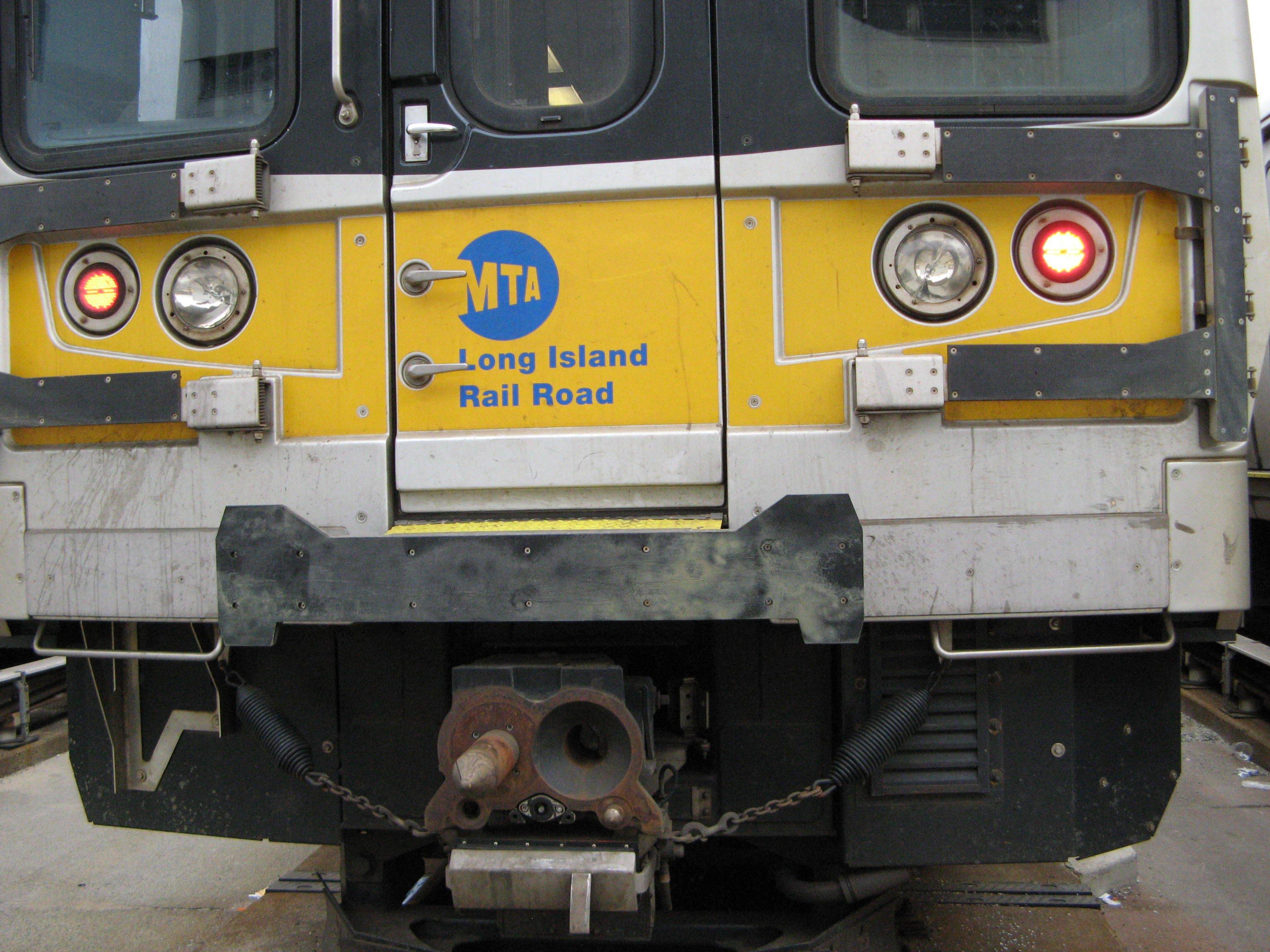 railroad signalman wins $3 million in FELA injury suit LIRR