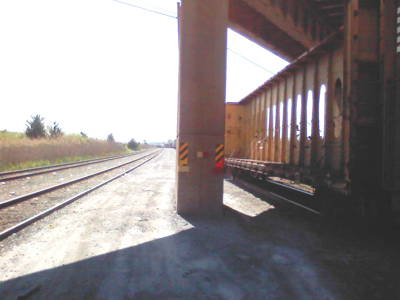 dangerous work site leads to injury and railroad lawsuit